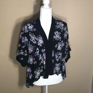 Mimi Chica short sleeve floral kimono top